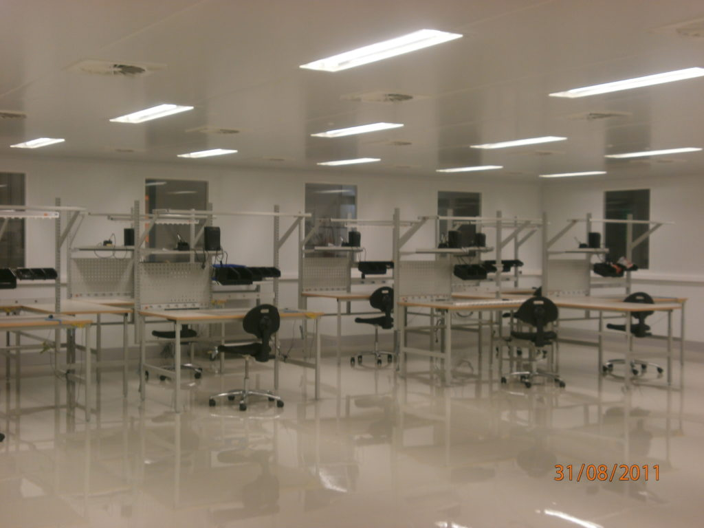 salle blanche classe 100000 pour l'électronique